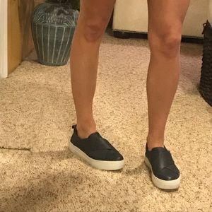 J Slides Womens ALEC Sneaker